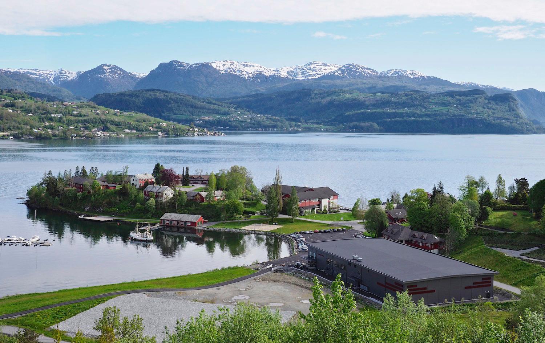 Framneshalvøya, no med idrettshall