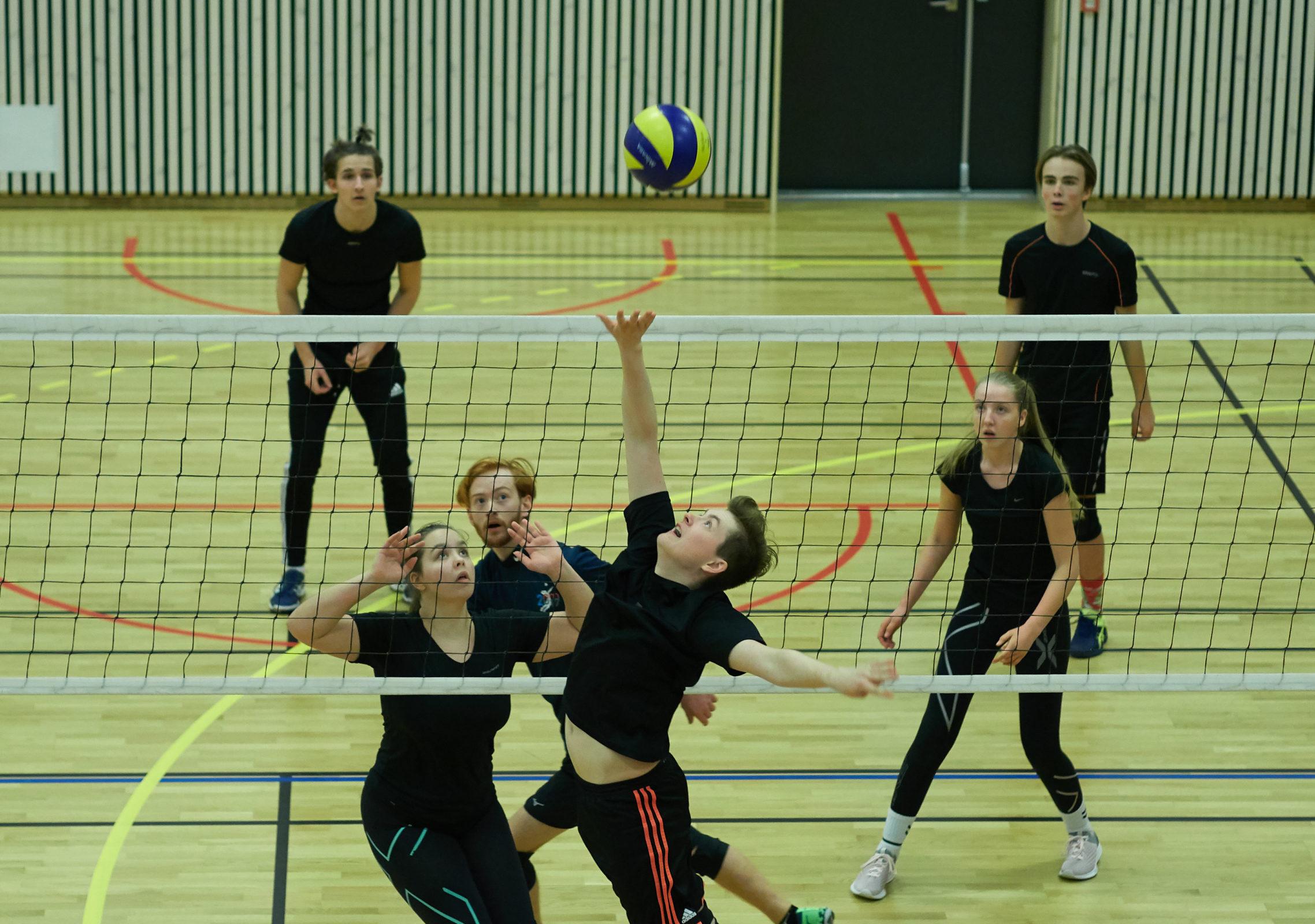 Turnering i Framnes Arena 2018, i volleyball, innebandy, fotball og sjakk